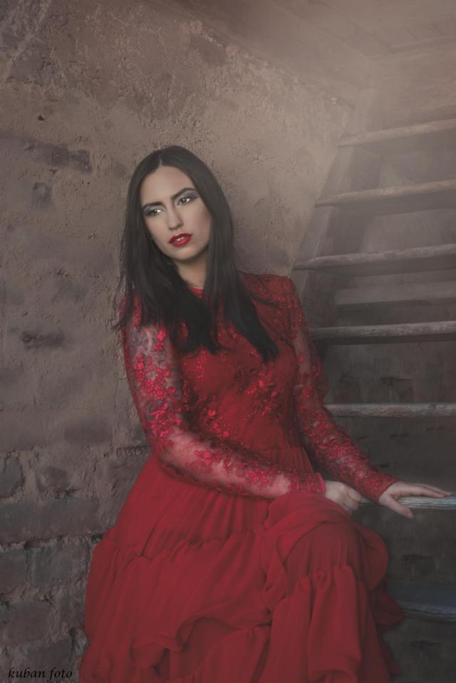 Manuela auf der Treppe_DSC0807.JPG