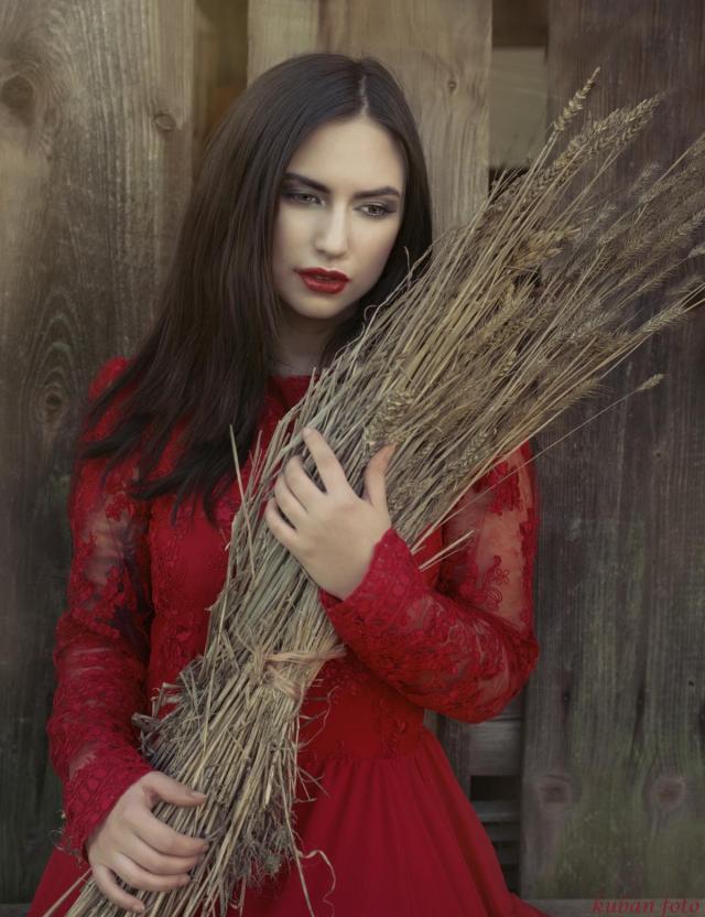 Manuela mit Weizen_DSC0881