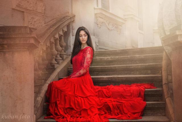 Gülistan im roten Kleid_DSC6777