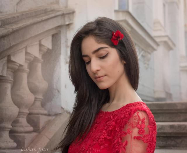 Gülistan mit Blume_DSC6816